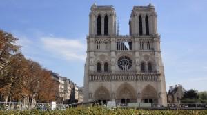 パリ観光ノートルダム大聖堂と歴史好きにおすすめ地下遺跡をご紹介!