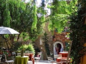 Bormes les Mimosasレポート(3)石造りのレストラン「Lou Portaou」の魅力をご紹介!