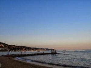 南仏の素敵な街Le Lavandou3 美しい夕暮れのビーチ
