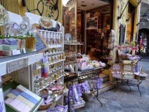 香水の都グラース4 伝統の息づく旧市街を散策