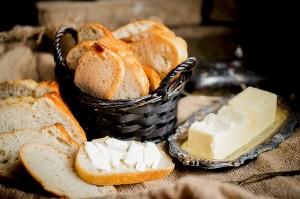 【フランス料理レシピ】簡単!洋ナシとカマンベールのトーストのせ