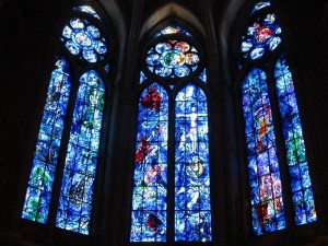 1月15日の聖レミの日とは?ランスの大聖堂と聖レミ・バジリック教会