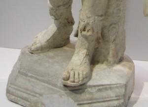 フランス語で「ギリシアの足」ってどんな足?