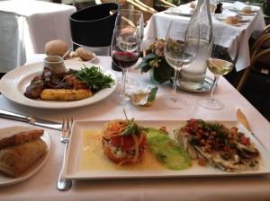 パリのレストラン(1)日本人におすすめ!人気のChez Françoiseをご紹介!