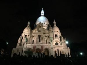 モンマルトルの夜景サクレクール寺院にはあの乗り物に乗っていこう!