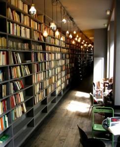 パリの最先端・北マレ地区で話題のカフェ「Merci」