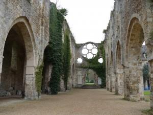 自然豊かな街Rambouillet1 大統領のお城と廃墟の修道院