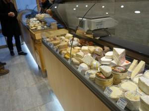 自然豊かな街Rambouillet3 農学校のジビエ・テリーヌと「人間国宝」のチーズ屋さん