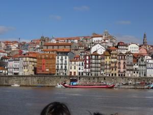 ポルトガル・ポルト紀行2 名所のドウロ川をクルーズ