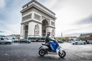 パリの電気バイク貸出システム〜Cityscoot〜