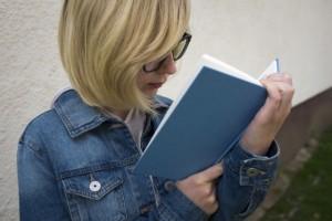 読書でフランス語の表現やリズム感を学ぼう!