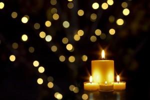 クリスマスのイリュミネ―ションがパリの街を彩る