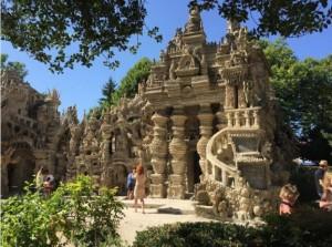 フランス「シュヴァルの理想宮」の歴史が凄い!楽しみ方を写真で解説