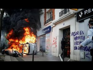 2018年5月1日 パリのメーデーで武装集団が破壊行為 200人超逮捕