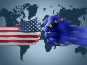 6月1日 トランプ政権EUに追加関税発動、マクロン大統領「違法」