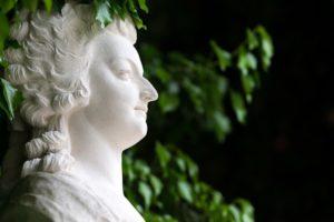 マリー・アントワネットの秘蔵の宝石が競売へ ペンダント一つで数億円で落札予想