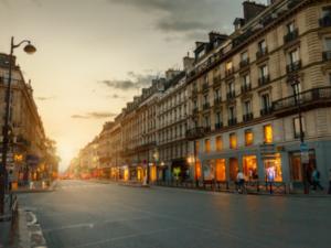 パリ中心部の「ホコ天」化をパリ市が検討、パリ市民は賛否両論