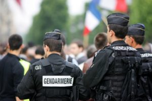 破壊行為は厳罰化へ フィリップ首相、無届けのデモを罰則強化の意向