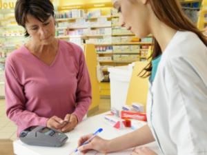 医者の処方箋免除の薬の品目拡大 一部の薬やワクチンが薬局で購入可能に