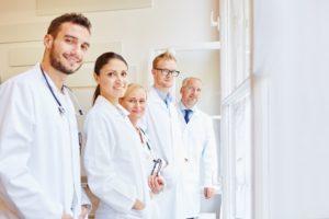 医学生の 定数制限 2020年の廃止に向け今年は生徒数が10パーセント増加