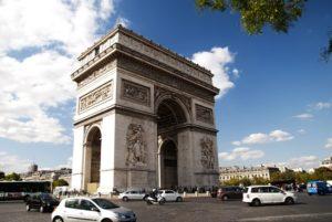 黄ベストによる破壊から5カ月、凱旋門の修復が終了