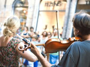 毎年恒例の音楽祭、6月21日フランス全土で開催
