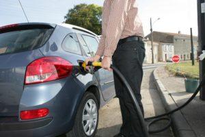 2040年の化石燃料車販売終了に向けて協議が始まる
