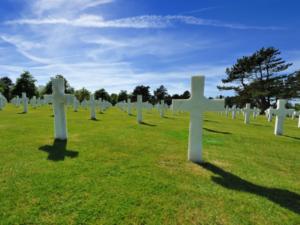 ノルマンディー上陸作戦75周年、米仏大統領で記念式典