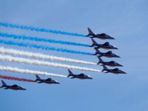 7月14日はフランス夏の風物詩『パリ祭』 軍事パレード、今年は欧州色全面に