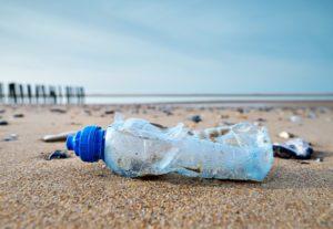 飲料販売業者・流通業者がリサイクルの為のデポジット制度導入を訴える