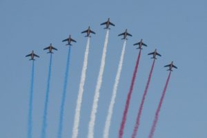 7月14日 パリ祭がおこなわれフランス中がトリコロールに染まる