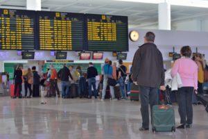 エーグル・アズール航空破たん 未だに13,000人が帰国できず
