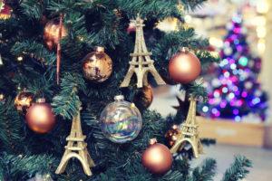 イリュミネーションが輝くフランスのクリスマス
