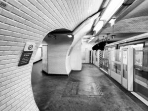 パリ地下鉄 長期スト期間の定期代 本日より返金開始