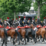 フランス どうなる?今年のパリ祭、フレンチオープン、ソルド