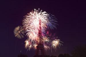 2020年パリ祭は大幅縮小で開催 コロナ禍における医療関係者へ感謝の意を表す