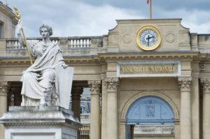 フランス  11日より条件付きで非常事態宣言を解除