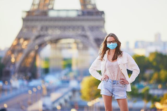 パリ公道でもマスク着用義務 コロナ感染者増で