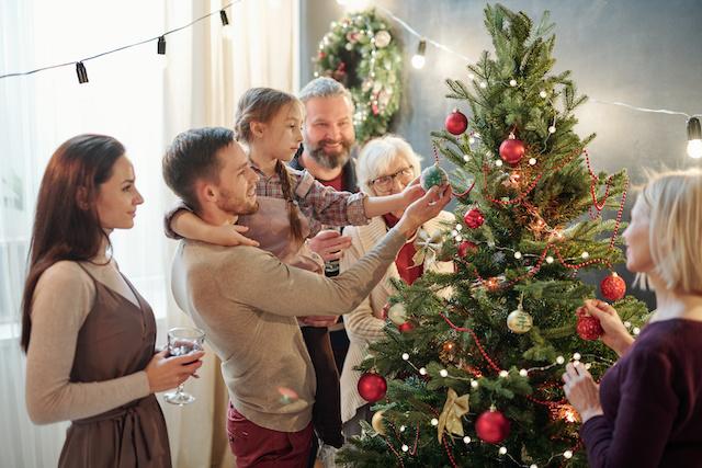 フランス クリスマスはスカイプで コロナ感染1日58,000人で