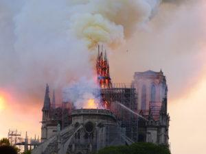 ノートルダム寺院火災から2年 2024年の再開なるか 復興工事どこまで