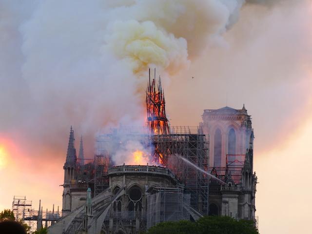 ノートルダム寺院火災から2年