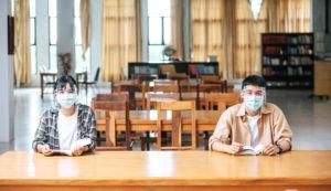 図書館 学生