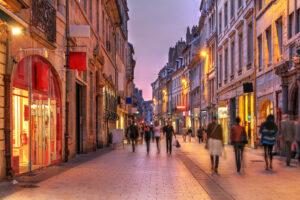 フランス 街 夕暮れ