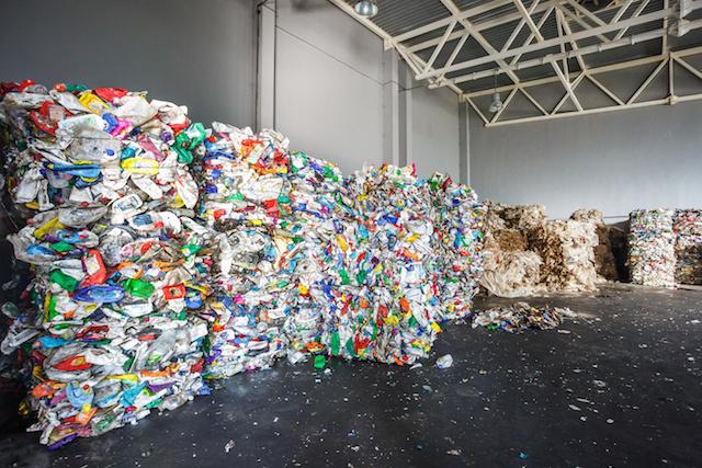 フランス なぜ進まない?廃プラリサイクル